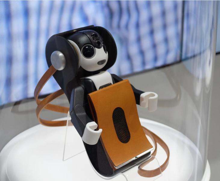 夏普推出机器人形手机,人工智能具象化趋势渐显-希望zz