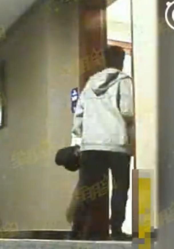 消失一个月的刘恺威在香港街头被拍了,样子憔悴如几夜没睡-希望种子
